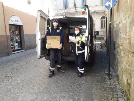 Consegna pacchi alimentari