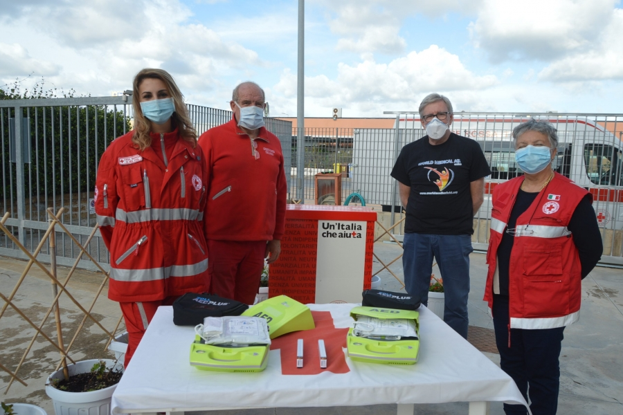 World medical aid dona due defibrillatori alla Cri di Tarquinia