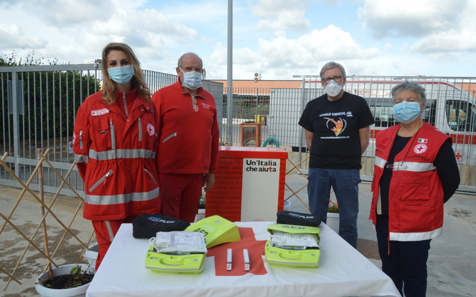 World medical aid dona due defibrillatori alla Cri di Tarquinia